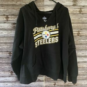 Majestic Pittsburgh Steelers V-Neck Hooded Sweatshirt